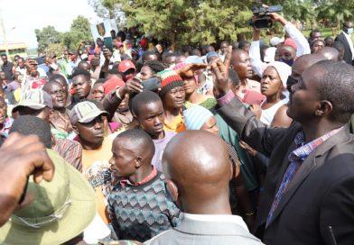 Mandago calms irate mob in Moi's Bridge  town.